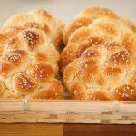Challah buns for shabbat