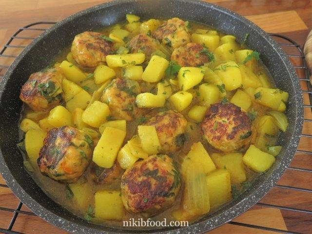 Chicken Meatballs In Yellow Sauce