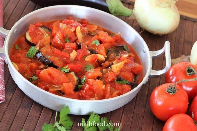Eggplant Slices with Tomato Sauce