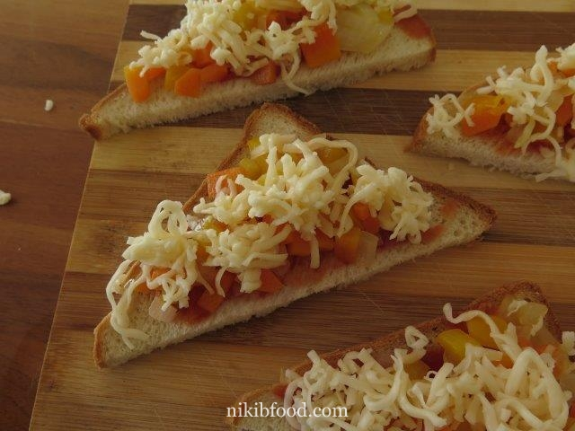 Veggie Pizza on Bread