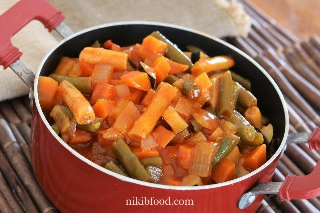 Green beans and vegetables recipe