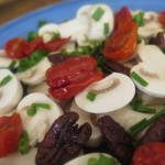 Candied pecans and Mushrooms salad