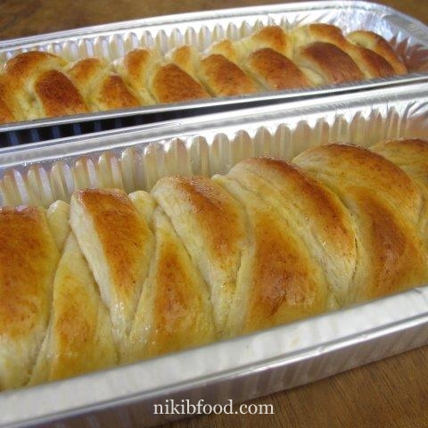 Yeast cake with cheese