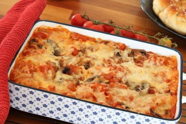 Mushroom lasagna with tomato sauce