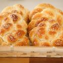 Challah buns for shabbat