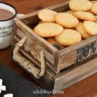 Simple vanilla cookies