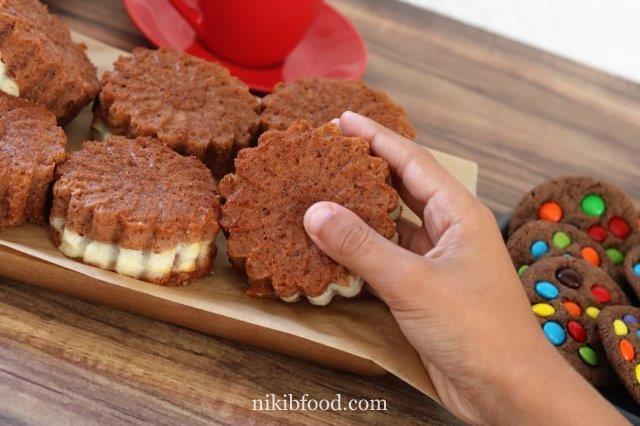Chocolate cheese muffins