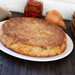 Crustless quiche with olives and honey