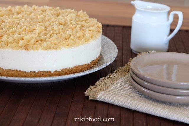 White chocolate crumb cheesecake