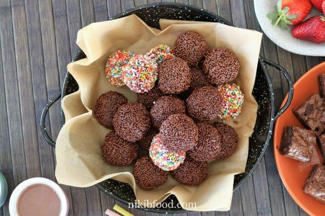 Colored chocolate balls
