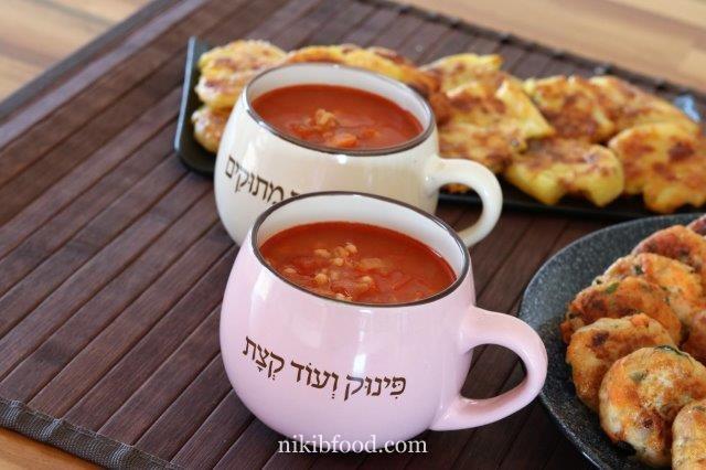 מרק עגבניות וגריסי פנינה