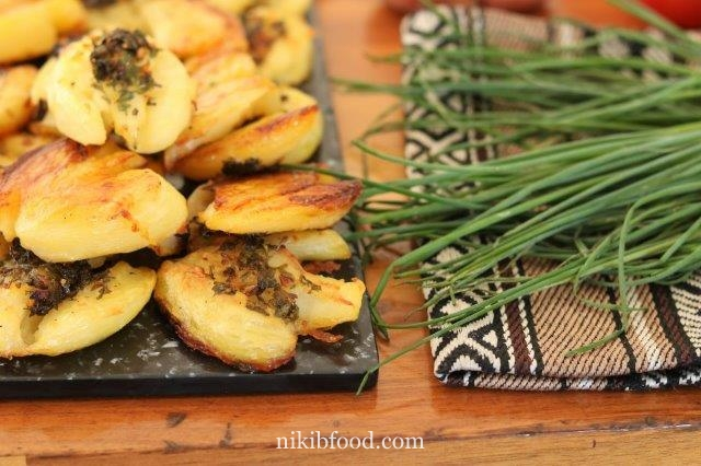Crispy Garlicky Smashed Potatoes
