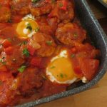 Shakshuka with meatballs