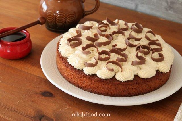 Honey cake pie