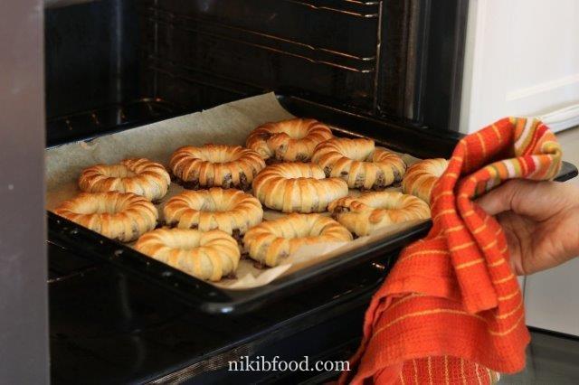 Chocolate crescent rolls