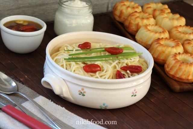 Pasta with sour cream sauce