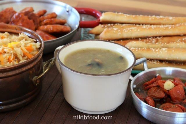 https://www.nikibfood.com/creamy-onion-and-mushroom-soup/