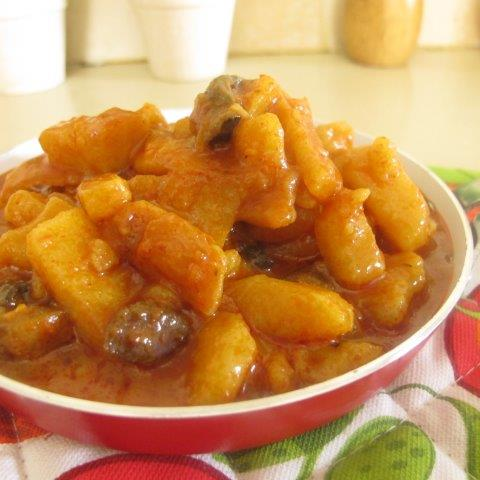 Potatoes and Mushroom Curry