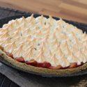 Apple meringue tart