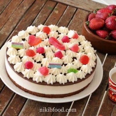 Chocolate nougat mousse cake
