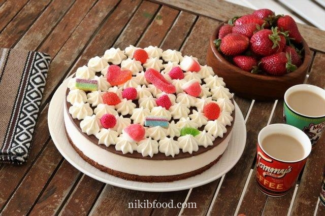 Chocolate nougat mousse cake
