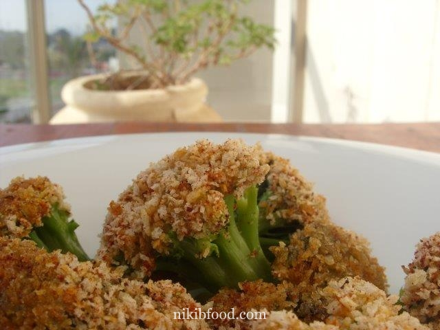Broccoli with bread crumbs