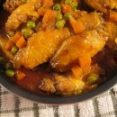 Chicken Wings with Peas and Carrots